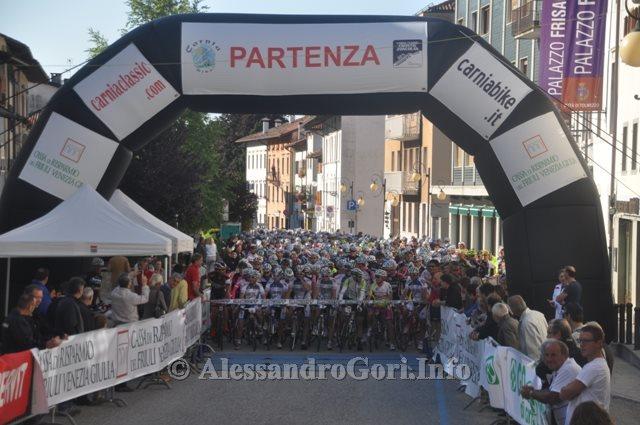 49 130630 partenza Granfondo Carnia Classic - Foto Alessandro Gori DSC_9119